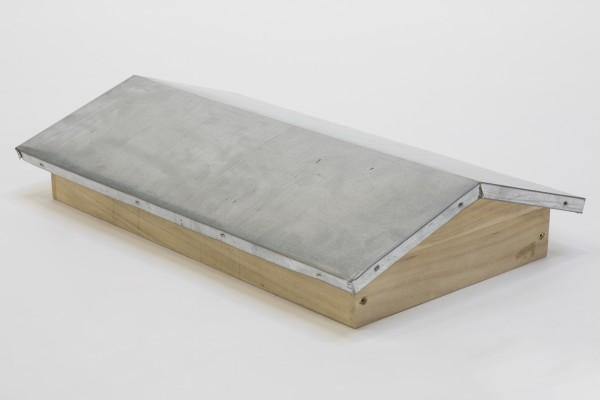Satteldach mit Blechbeschlag für Ablegerkasten